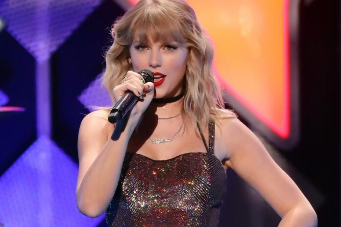 Taylor Swift Hits On Scooter Braun After He Sold Her Master Rights - SurgeZirc UK