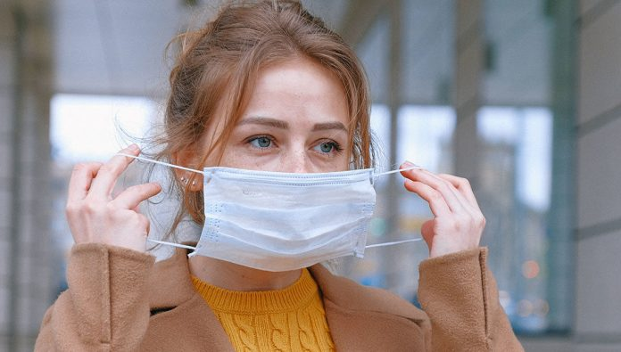 Is It Still Possible To Reduce COVID Risk By Wearing A Face Mask? - SurgeZirc UK